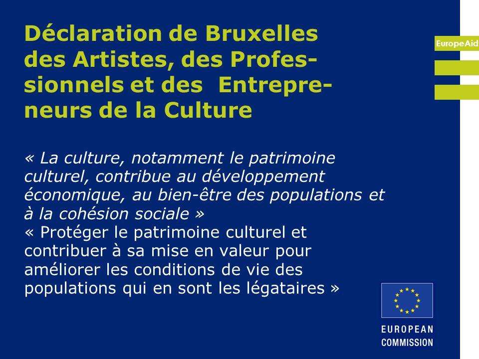 EuropeAid Processus de Barcelone/ Union pour la Méditerrannée Les actions culturelles font partie du chapitre III «Partenariat dans les affaires sociales, culturelles et humaines» de la déclaration de Barcelone de 1995 sur le partenariat euro-méditerranéen où le dialogue des cultures est au cœur (Stratégie 2007-2013) People-to-people Dialogue Interculturel Coopération Culturelle
