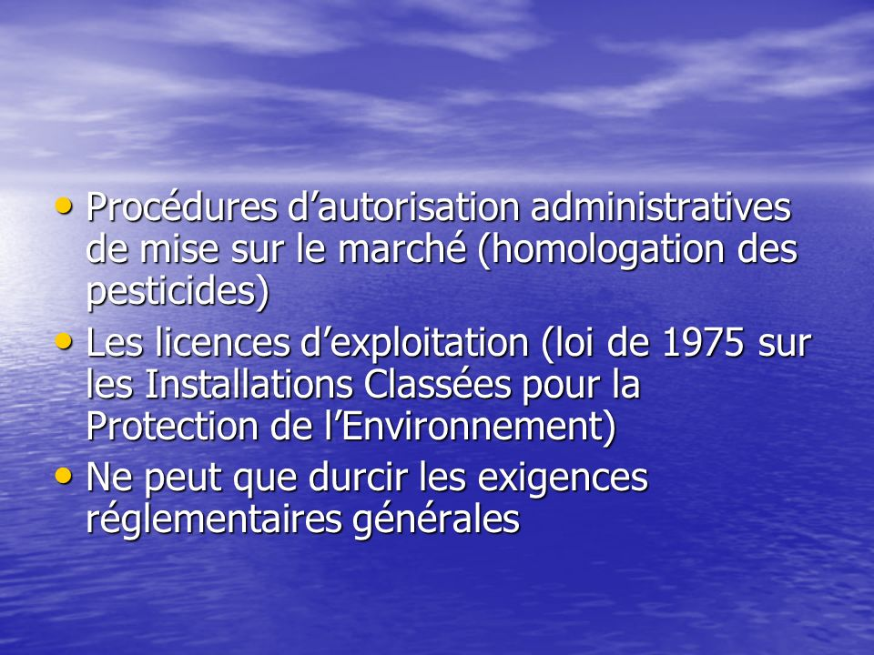 Les instruments réglementaires Contraindre le comportement sous peine de sanctions administratives ou judiciaires Contraindre le comportement sous pei