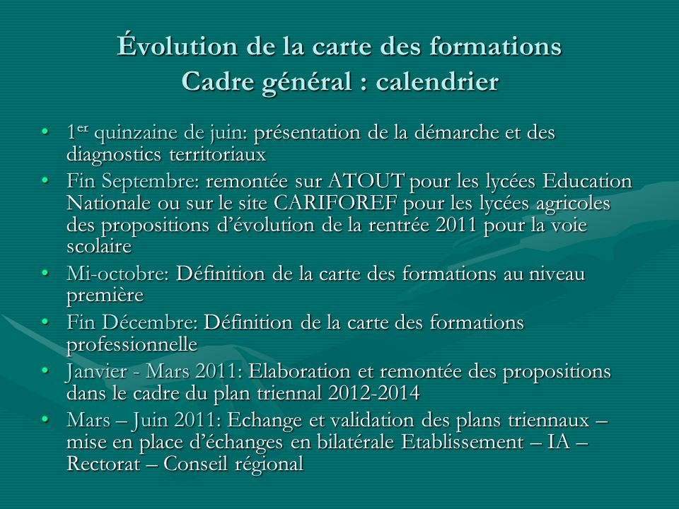 II – HAUTE GARONNE Rappel : poids de la Haute-Garonne / académie en effectifs 3 ème = 44,16%Rappel : poids de la Haute-Garonne / académie en effectifs 3 ème = 44,16% Rappel : poids de la Haute-Garonne / académie en effectifs de 2 nde = 48,56 %Rappel : poids de la Haute-Garonne / académie en effectifs de 2 nde = 48,56 % Le poids de la Haute-Garonne/académie en effectifs de 1ère annéeLe poids de la Haute-Garonne/académie en effectifs de 1ère année de formations statut scolaire post-3 ème (EN ou agriculture) est plus faible que lensemble de la population scolaire de formations statut scolaire post-3 ème (EN ou agriculture) est plus faible que lensemble de la population scolaire Lapprentissage est fortement représenté en post 3eme dans la Haute-Garonne et à 90% au niveau CAPLapprentissage est fortement représenté en post 3eme dans la Haute-Garonne et à 90% au niveau CAP Le département présente le plus fort poids niveau 5 de lAcadémie : 46% de CAP en formation professionnelle post 3emeLe département présente le plus fort poids niveau 5 de lAcadémie : 46% de CAP en formation professionnelle post 3eme