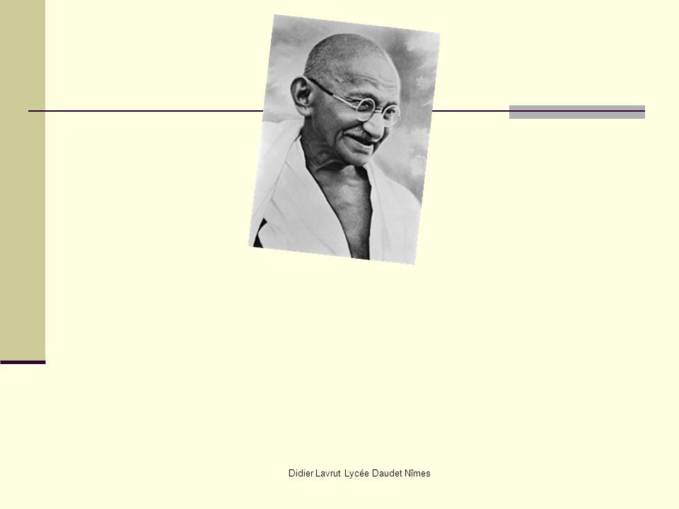 Didier Lavrut Lycée Daudet Nîmes Hocine AÏT-AHMED Représentation itinérante à travers le monde Ahmed BEN BELLA Mohammed KHIDER