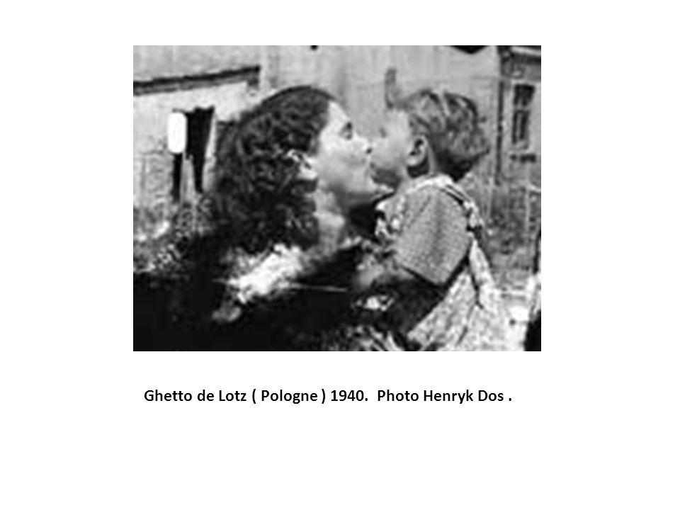 Ghetto de Lotz ( Pologne ) 1940. Photo Henryk Dos.