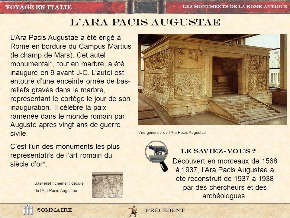 LArc de Septime-Sévère se situe à langle nord du forum et fut construit en 203 après J.C. à lendroit où la Voie Sacrée commençait sa montée vers le Ca