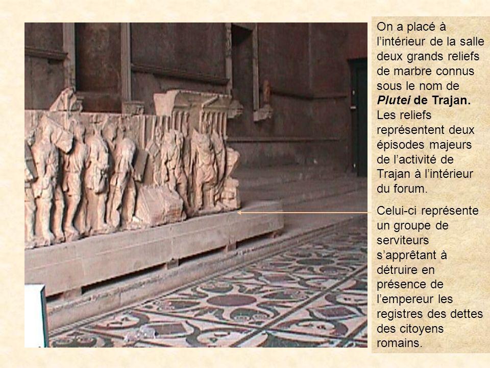 curie10 La curie César fut assassiné non pas sur les marches de ce bâtiment mais sur celles de la Curie de Pompée située sur le Champ de Mars. PrÉcÉde
