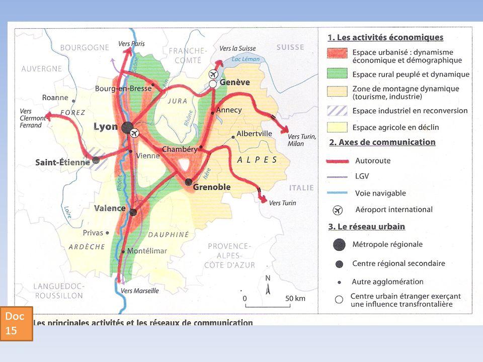Docs 16: La zone dinfluence de Genève Le projet du Grand GenèveLes futurs CEVA et RER franco-valdo-genevois Chaque jour, environ 50 000 frontaliers français vont travailler dans les cantons suisses de Genève et de Vaud.