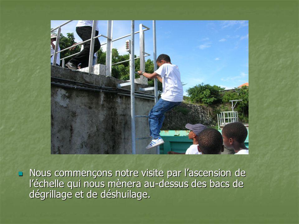 Les eaux usées de la commune de Saint- François arrivent par ces gros tuyaux Les eaux usées de la commune de Saint- François arrivent par ces gros tuyaux