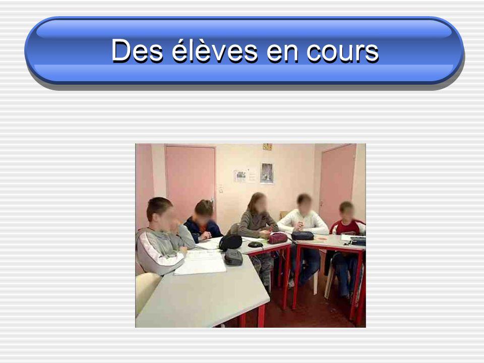 Des élèves en cours