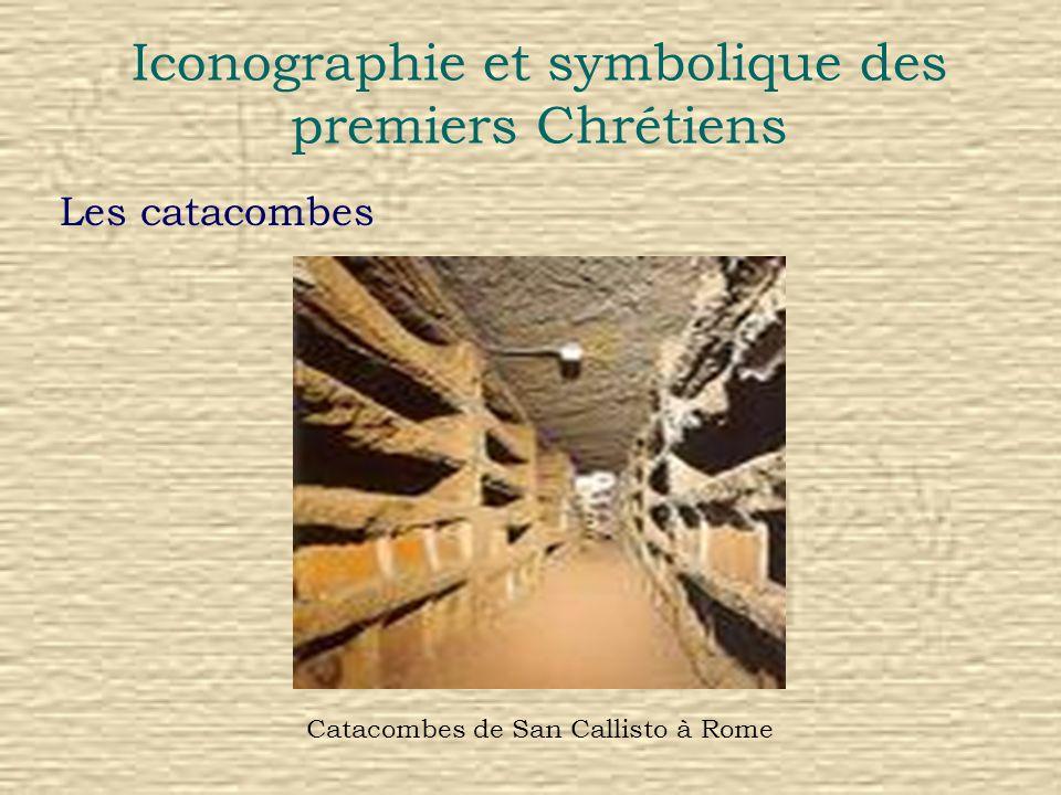 Iconographie et symbolique des premiers Chrétiens La fresque Jésus entre lAlpha et loméga Fresque des Catacombes de Commodille à Rome