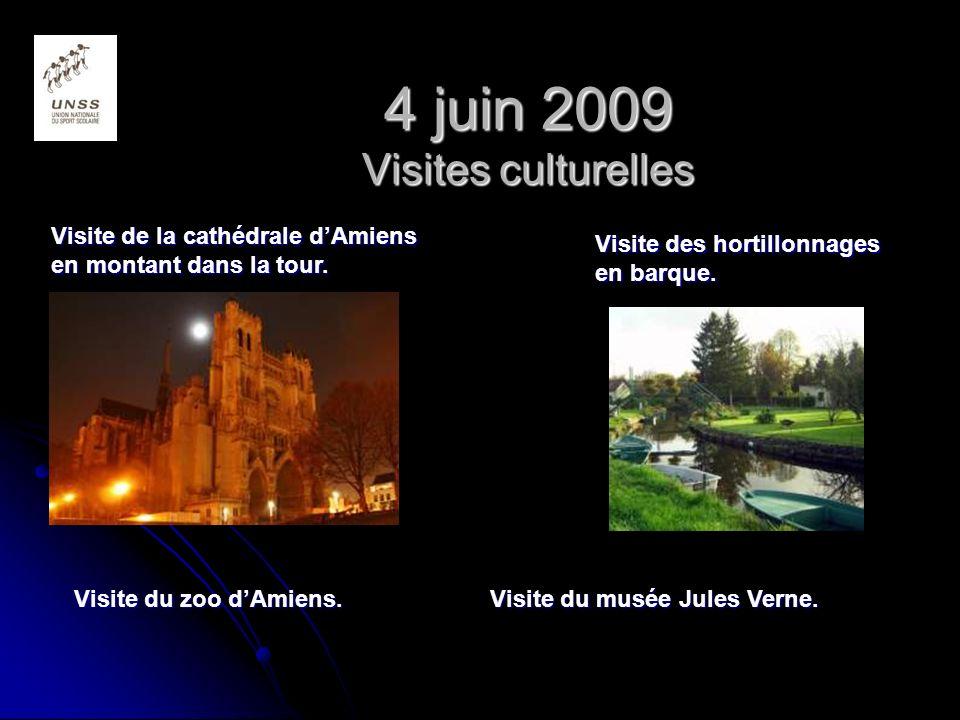 4 juin 2009 Visites culturelles Visite de la cathédrale dAmiens en montant dans la tour.