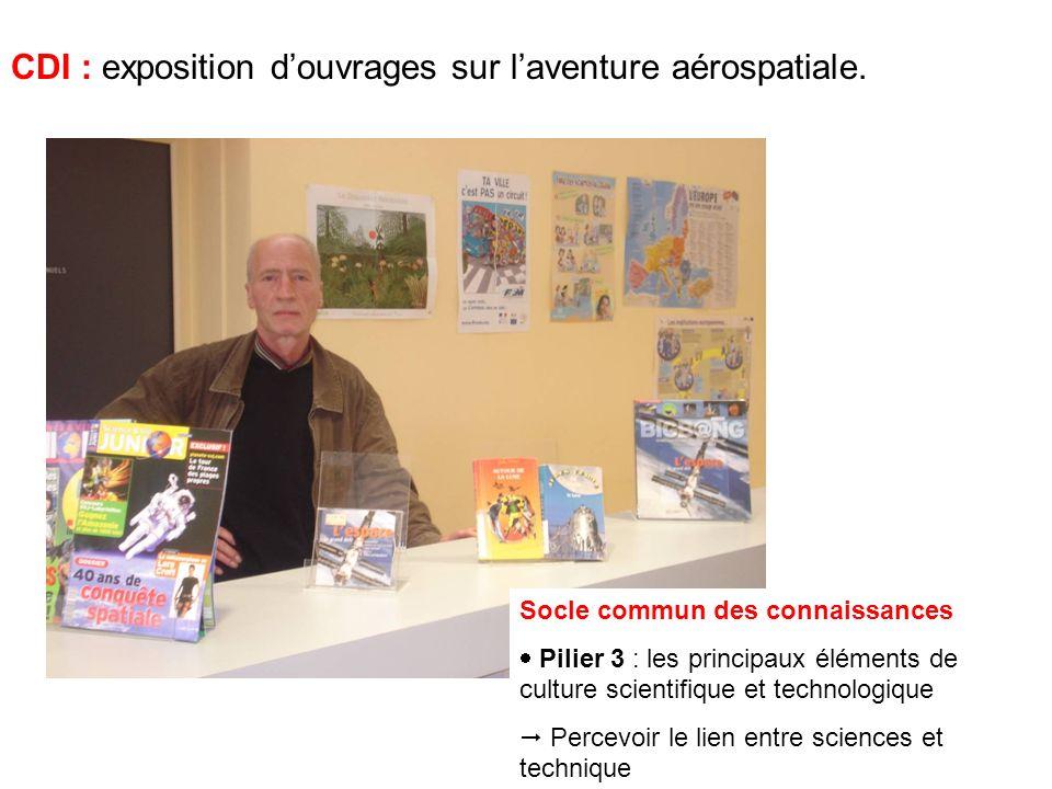 CDI : exposition douvrages sur laventure aérospatiale.