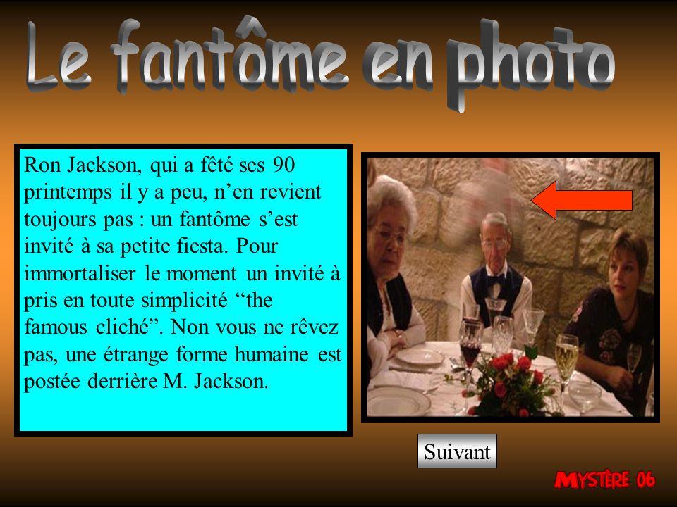 Ron Jackson, qui a fêté ses 90 printemps il y a peu, nen revient toujours pas : un fantôme sest invité à sa petite fiesta.