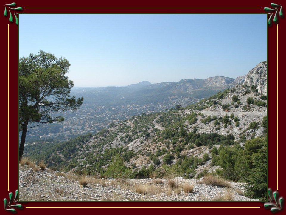 Vue sur Toulon, depuis le mont Faron, Classé en 1991 par le ministère de lenvironnement comme site dexception