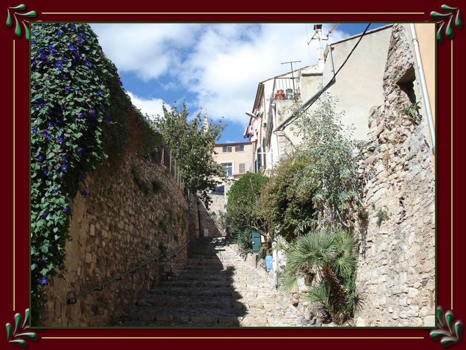 Porte dentrée dans la vieille ville