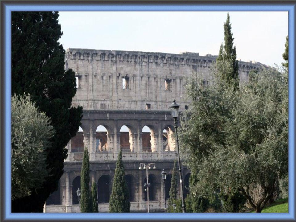 Le Colisée, à l origine amphithéâtre Flavien, est un amphi- théâtre elliptique situé dans le centre de la ville de Rome, le plus grand jamais construit dans l Empire romain.