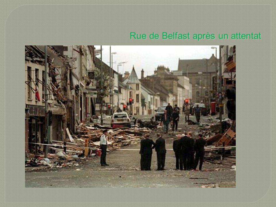Rue de Belfast après un attentat