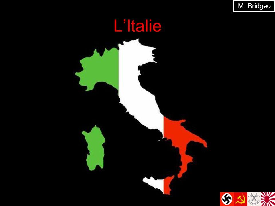 En Italie À la fin de la Première Guerre mondiale, lItalie est représentée à la Traité de Versailles Problèmes : Territoriale : mécontent avec la résolution au nord-est du pays avec la création de la Yougoslavie Gouvernement : les ouvriers ne sont pas satisfait… le gouvernement nest pas assez efficace en négociant la Traité M.