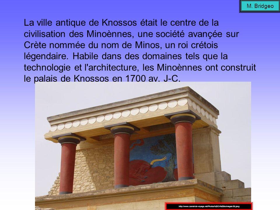 La ville antique de Knossos était le centre de la civilisation des Minoènnes, une société avançée sur Crète nommée du nom de Minos, un roi crétois lég