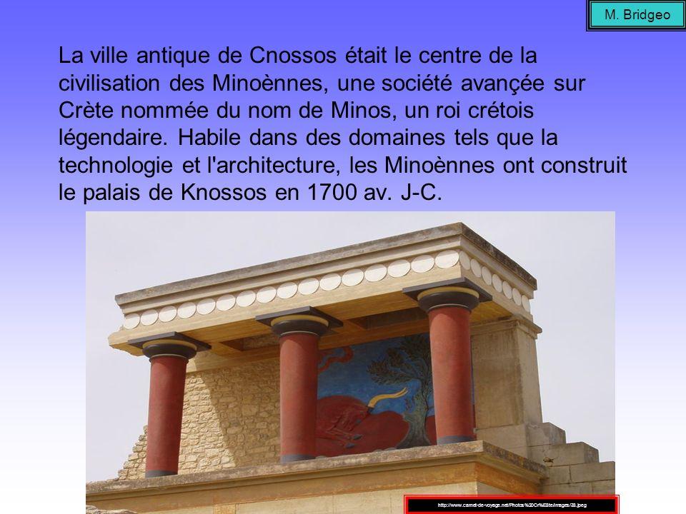La ville antique de Cnossos était le centre de la civilisation des Minoènnes, une société avançée sur Crète nommée du nom de Minos, un roi crétois lég