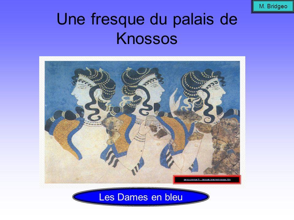 Une fresque du palais de Knossos M. Bridgeo Les Dames en bleu perso.orange.fr/.../jacques.brasme/knossos.htm