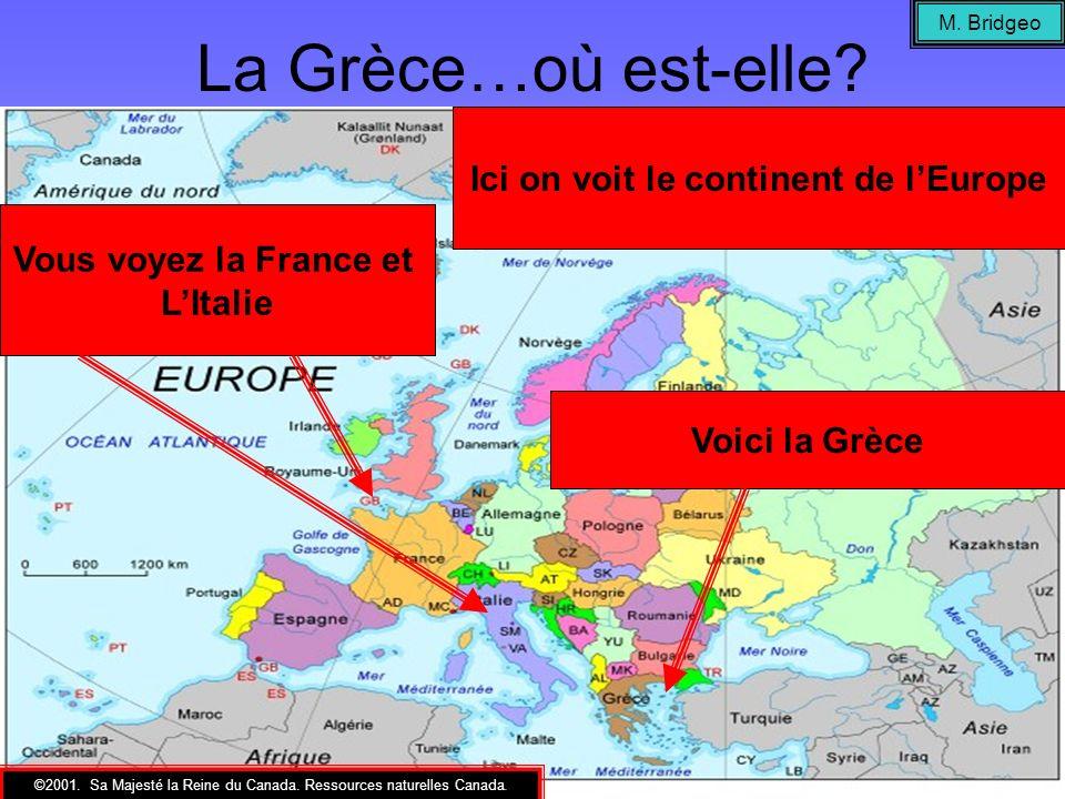 La Grèce dans lAntiquité La région à lest de la Grèce (vers la Turquie et lInde) est connue comme lEmpire Perses (The Persian Empire) Le pays au nord de la Grèce doù venaient Roi Phillipe II et son fils, Alexandre le Grand.
