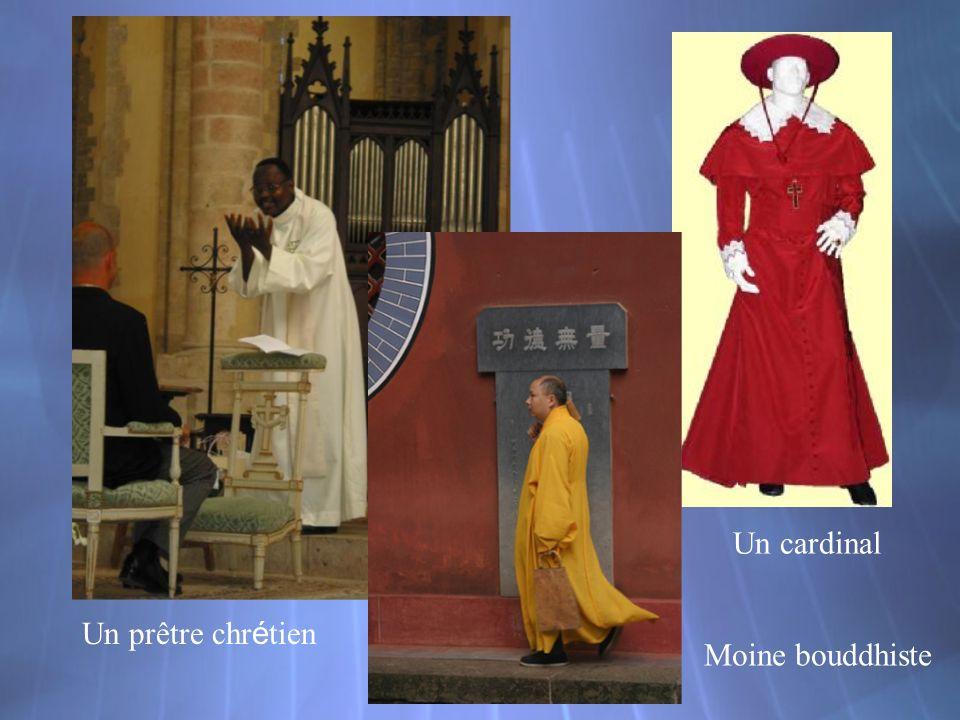 Un cardinal Un prêtre chr é tien Moine bouddhiste