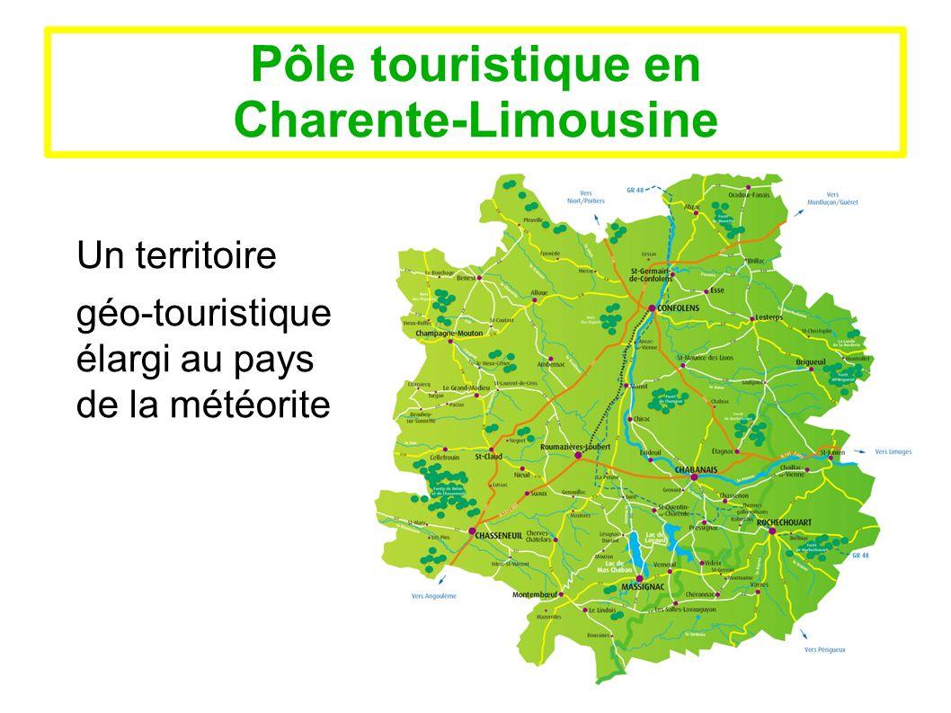 Pôle touristique en Charente-Limousine Mutualisation des moyens et répartition des missions Un choix affirmé : - - Conventionnement entre les deux offices et les deux communautés de communes - - Chaque office conserve son statut d association - - L office de tourisme de Haute-Charente coordinateur et animateur de pôle - - Un comité directeur issu des deux offices