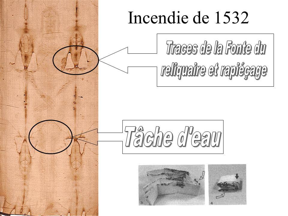 Jules II, en 1506: « Unique linceul dans lequel Notre-Seigneur Jésus-Christ lui- même fut enveloppé au tombeau »