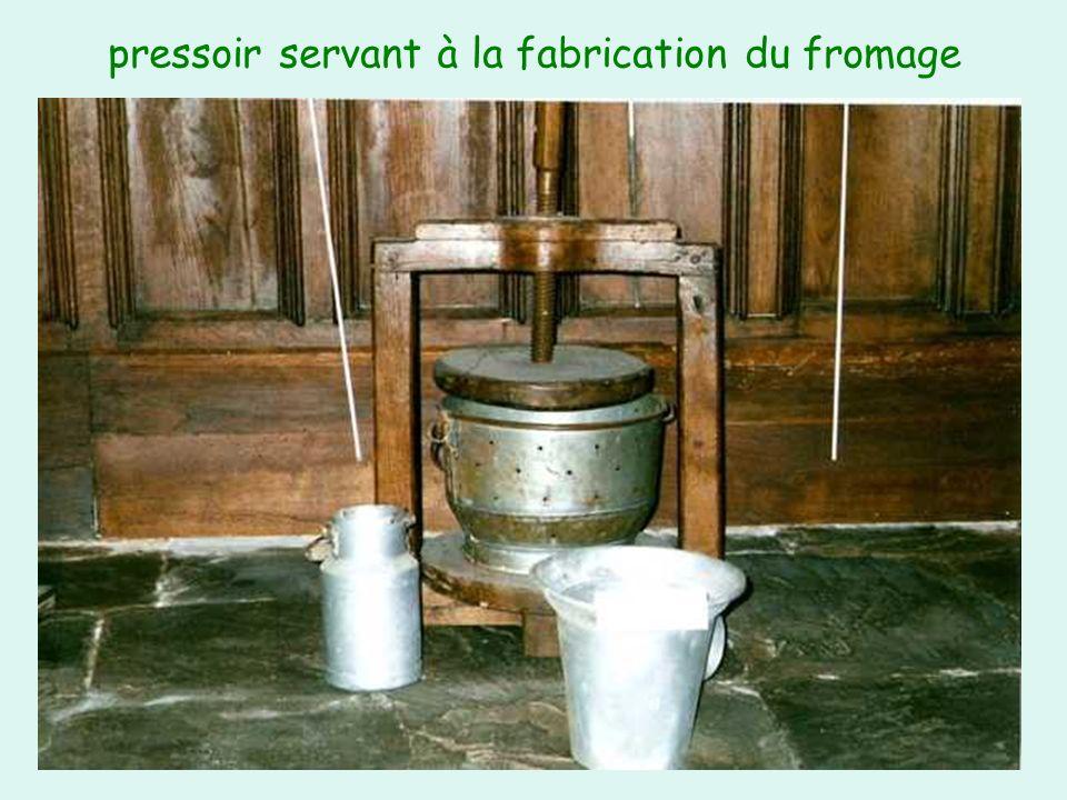 pressoir servant à la fabrication du fromage