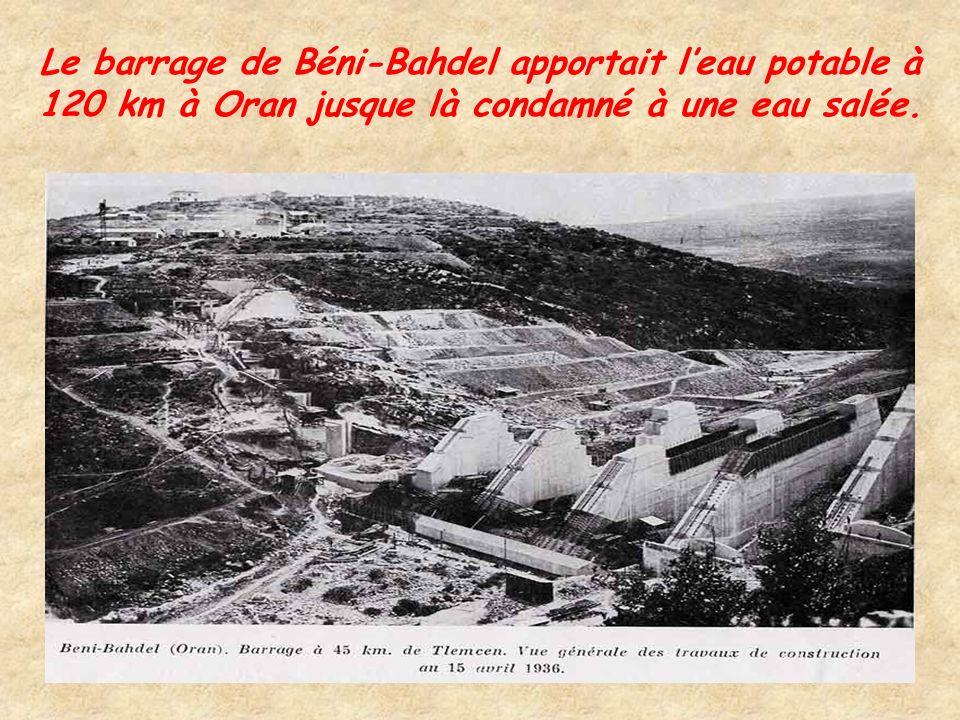 Le barrage du Ghrib formait un lac de 30 000 ha