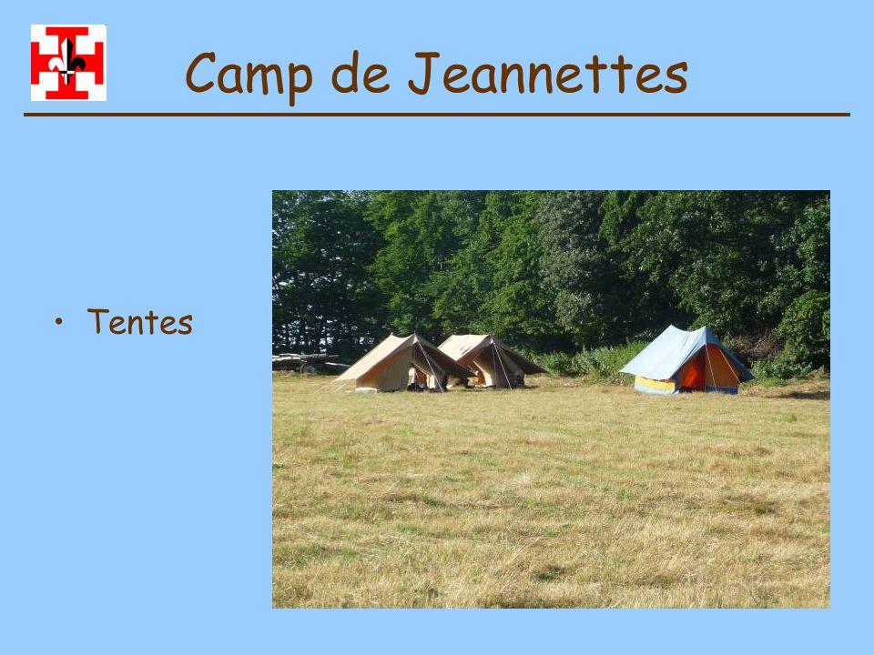Camp de Jeannettes Table à feu