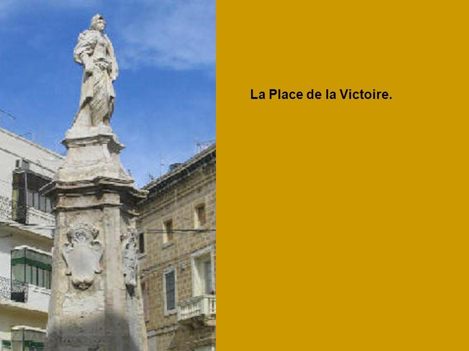 La Place de la Victoire.