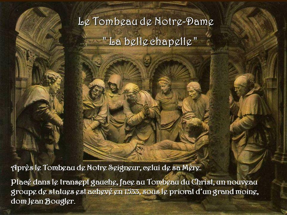 Le tombeau de Notre Seigneur a été conçu comme reliquaire de la Sainte Épine.
