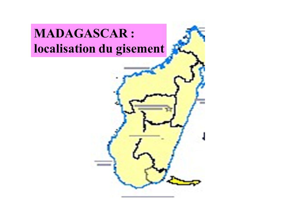 Superficie de 16 000 km2 et 360 000 habitants LOCALISATION DU GISEMENT