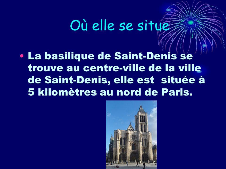 Où elle se situe La basilique de Saint-Denis se trouve au centre-ville de la ville de Saint-Denis, elle est située à 5 kilomètres au nord de Paris.