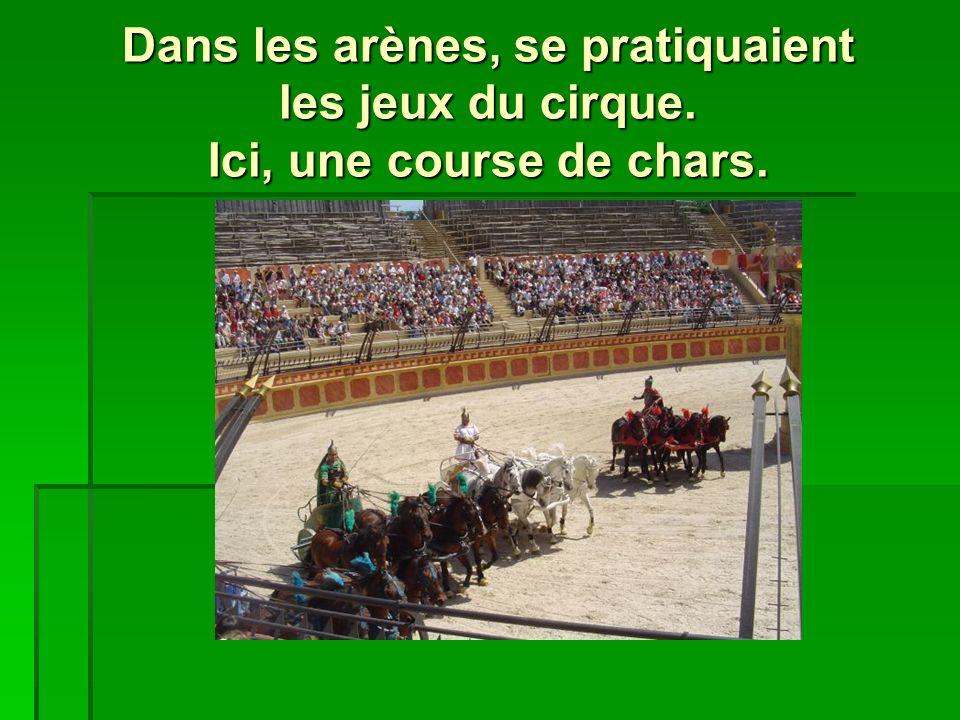 Dans les arènes, se pratiquaient les jeux du cirque. Ici, une course de chars.