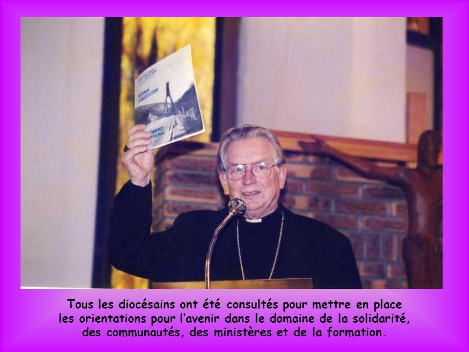 Parmi les groupes que jaccueille à lévêché, il y a notamment des enfants du catéchisme