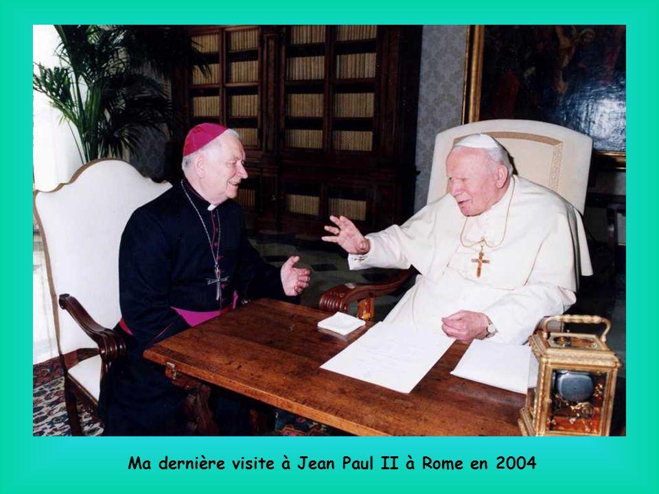 Le diocèse de Saint-Etienne a eu la joie daccueillir plusieurs fois Sœur Emmanuelle, la chiffonnière du Caire vivant au milieu des pauvres.