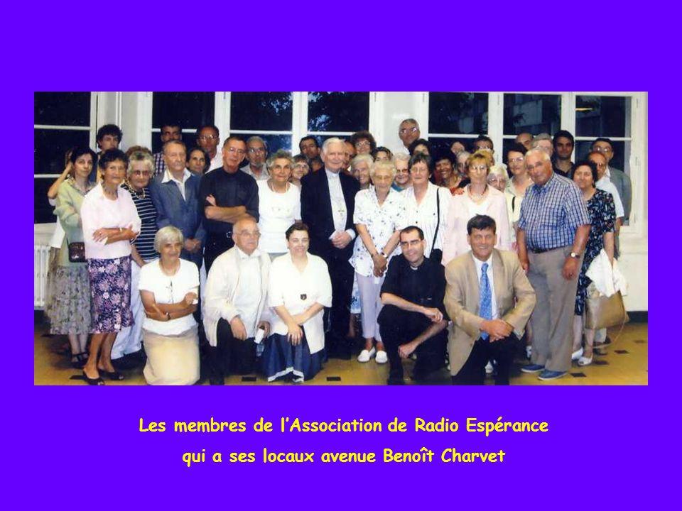 Les médias sont bien présents dans le diocèse avec ici léquipe de RCF qui a ses locaux à lévêché