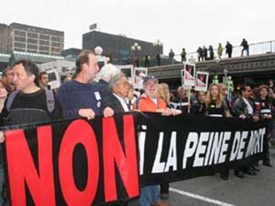 Les 2 journalistes français qui ont été pris en otage il y a plus de 300 jours alors quils faisaient leur métier