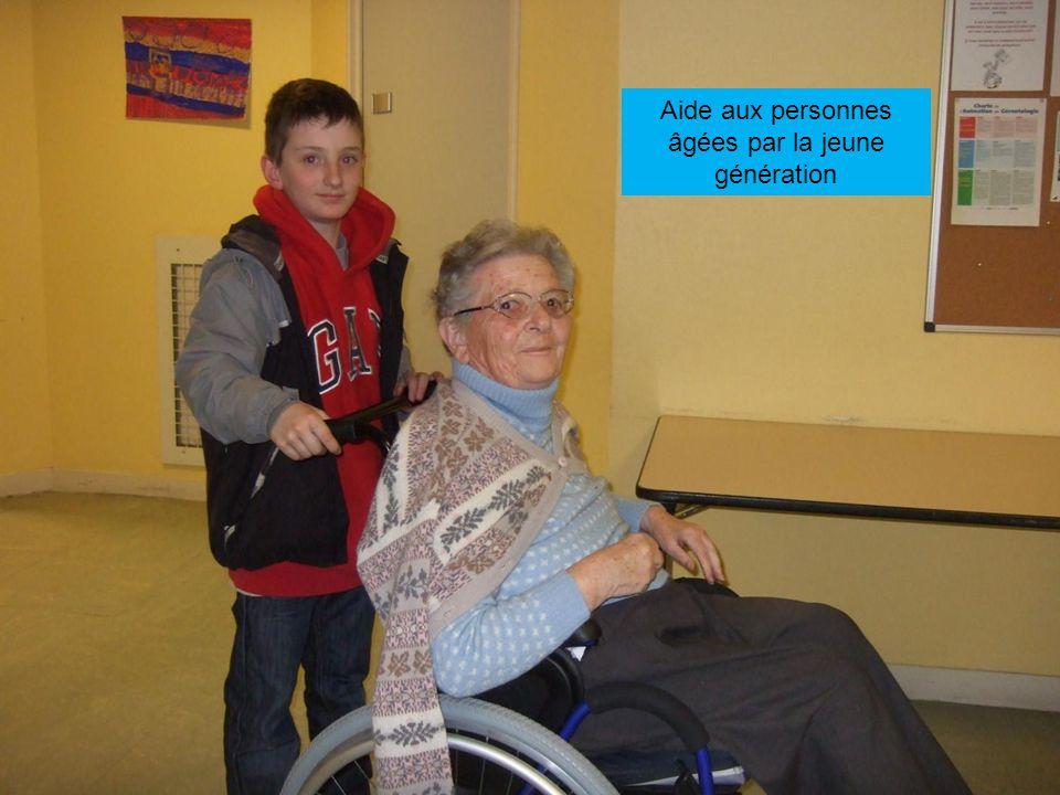 Aide aux personnes âgées par la jeune génération