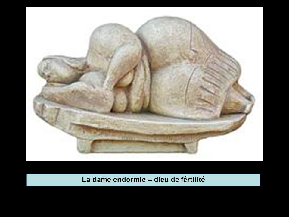La dame endormie – dieu de fértilité