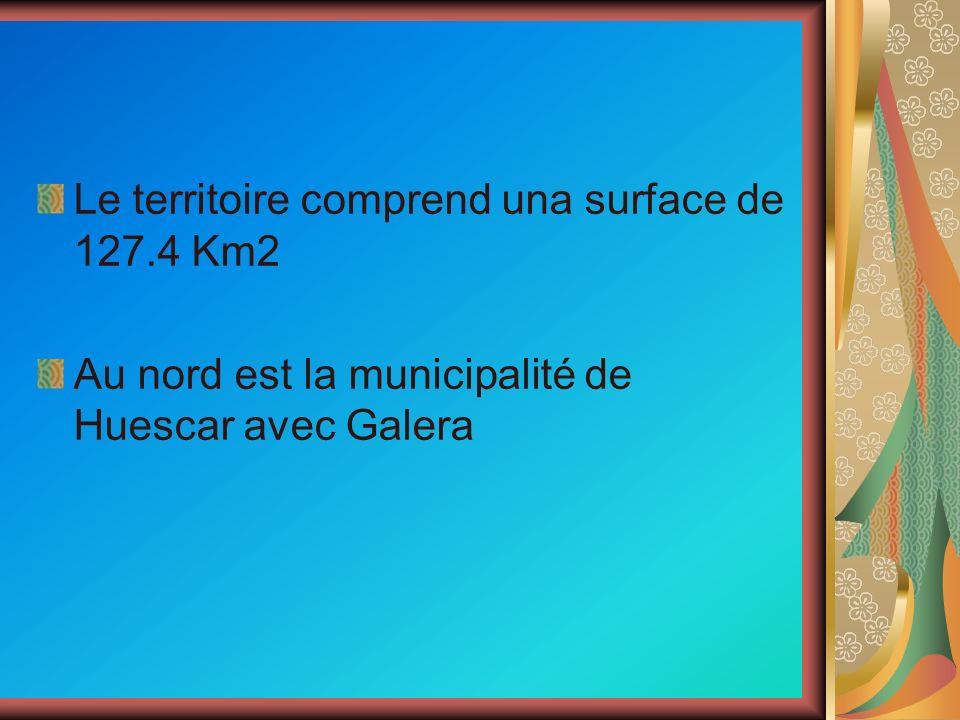 Le territoire comprend una surface de 127.4 Km2 Au nord est la municipalité de Huescar avec Galera