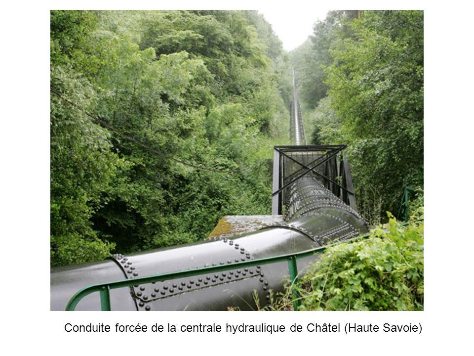 Conduite forcée de la centrale hydraulique de Châtel (Haute Savoie)