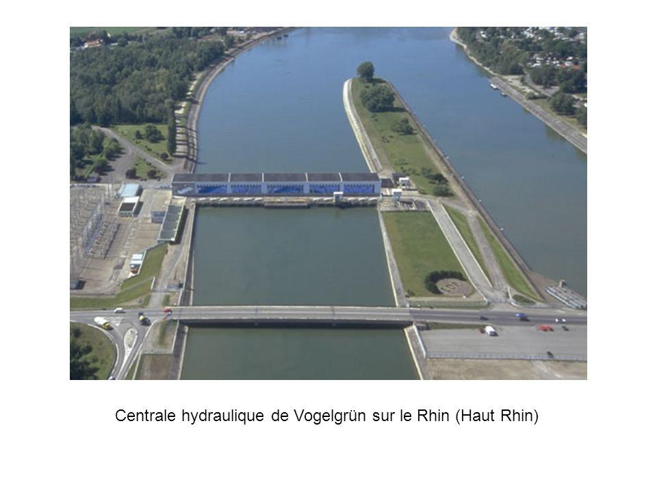 Centrale hydraulique de Vogelgrün sur le Rhin (Haut Rhin)