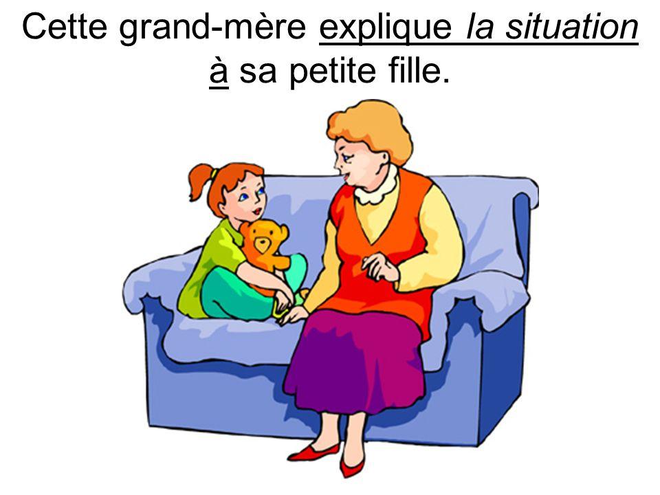 Cette grand-mère explique la situation à sa petite fille.