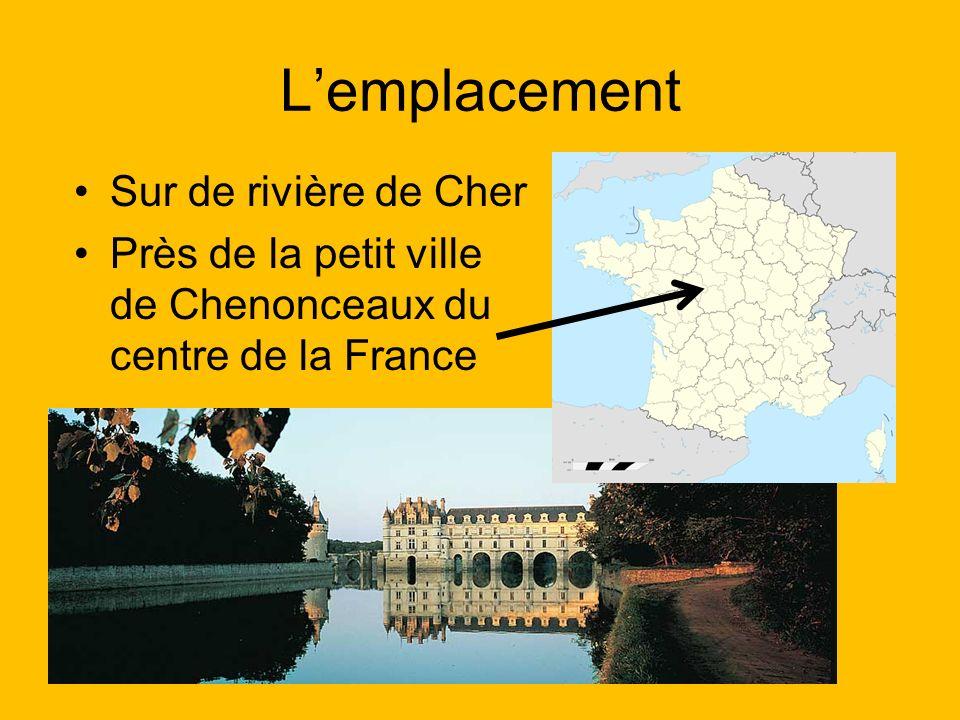 Lemplacement Sur de rivière de Cher Près de la petit ville de Chenonceaux du centre de la France