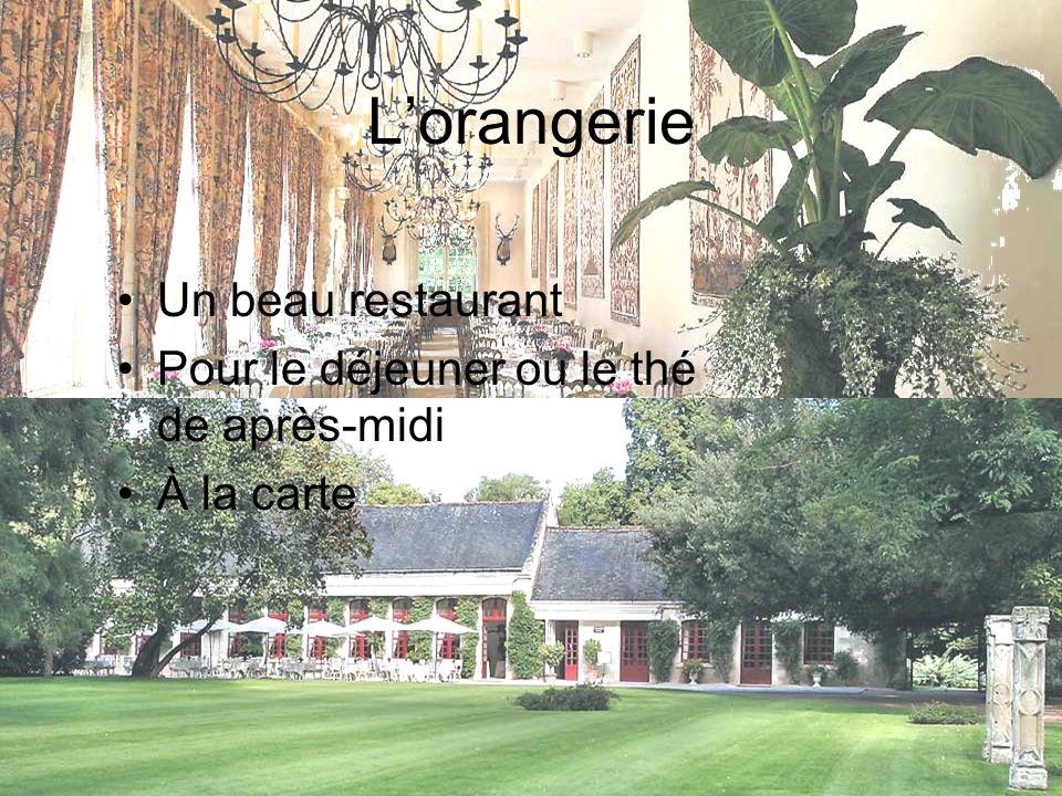 Lorangerie Un beau restaurant Pour le déjeuner ou le thé de après-midi À la carte