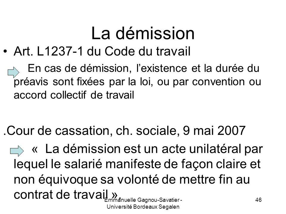 La démission Art. L1237-1 du Code du travail En cas de démission, lexistence et la durée du préavis sont fixées par la loi, ou par convention ou accor