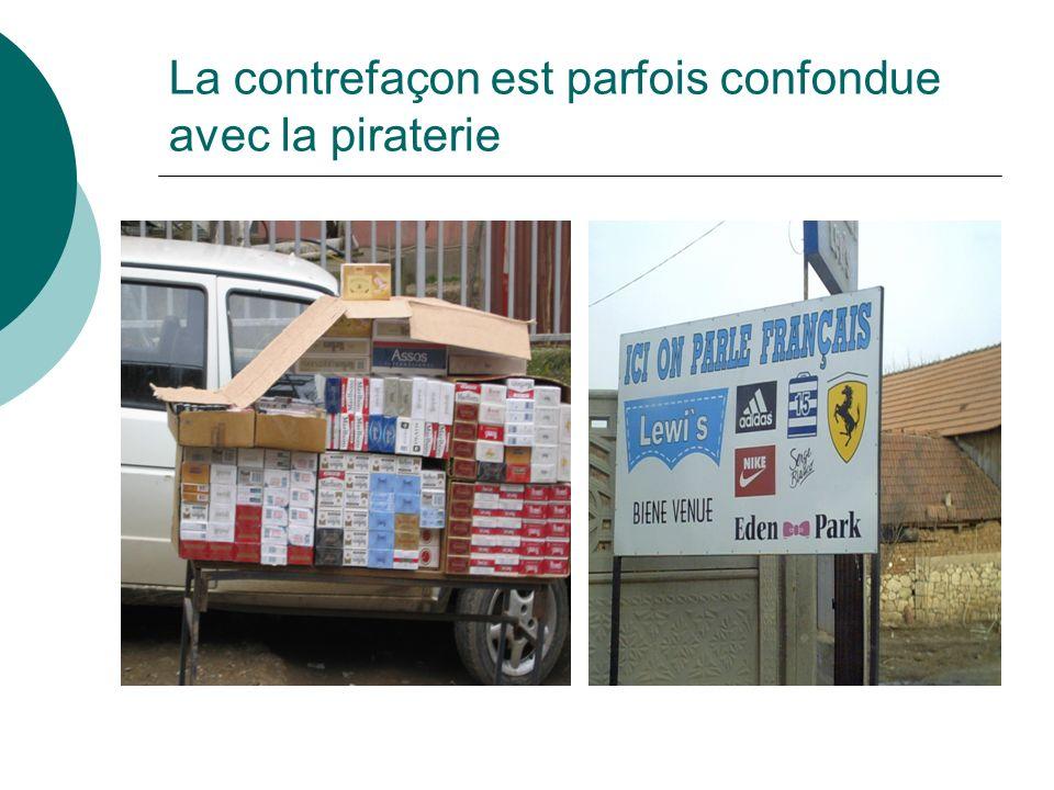 La contrefaçon se mêle au commerce traditionnel