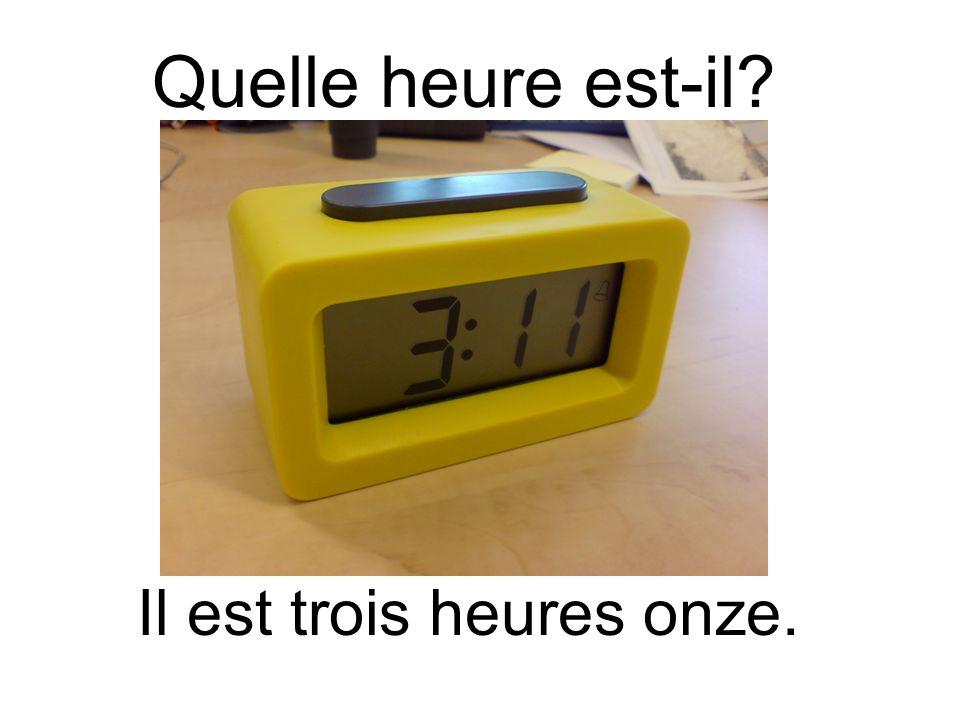Quelle heure est-il? Il est douze heures quinze.
