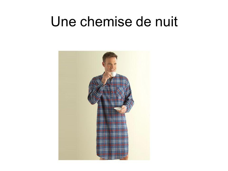 Une chemise de nuit